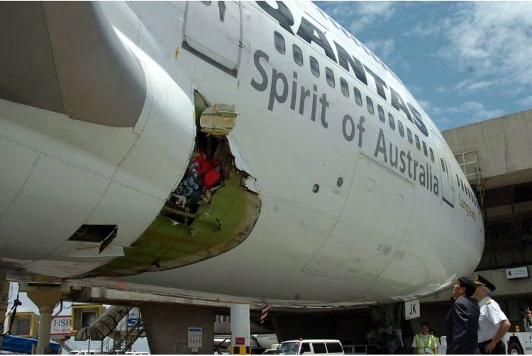 Qantas, falha estrutural