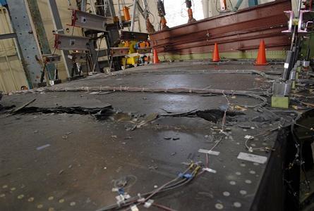 Teste de destruição da asa do 787