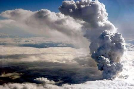 Cinzas vulcânicas – Por que cancelaram tantos voos?