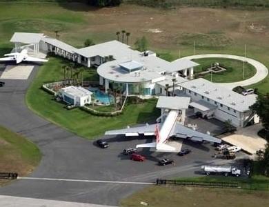 Registro – Boeing 707 do John Travolta de passagem pelo Brasil