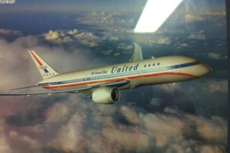 E se o avião mais moderno do mundo tivesse uma pintura retrô?
