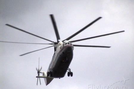 Comparando um MIL Mi-26 com um Robinson R-22