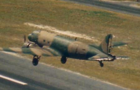 Pousando um DC-3 sem Leme e sem Profundor #fotos