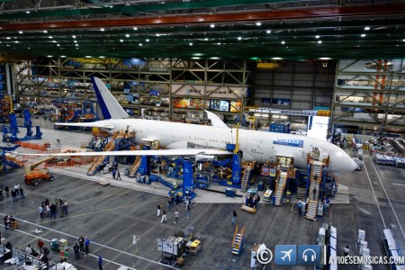 O primeiro Boeing 787 da United em estágio avançado de montagem #foto
