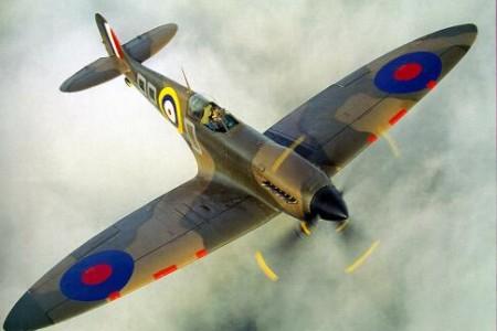 E se alguém encontrasse 20 Spitfires enterrados e preservados como zero desde 1945?