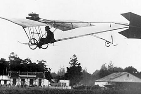 Santos Dumont e seu maravilhoso Demoiselle, o reconhecimento na terra dos irmãos Wright