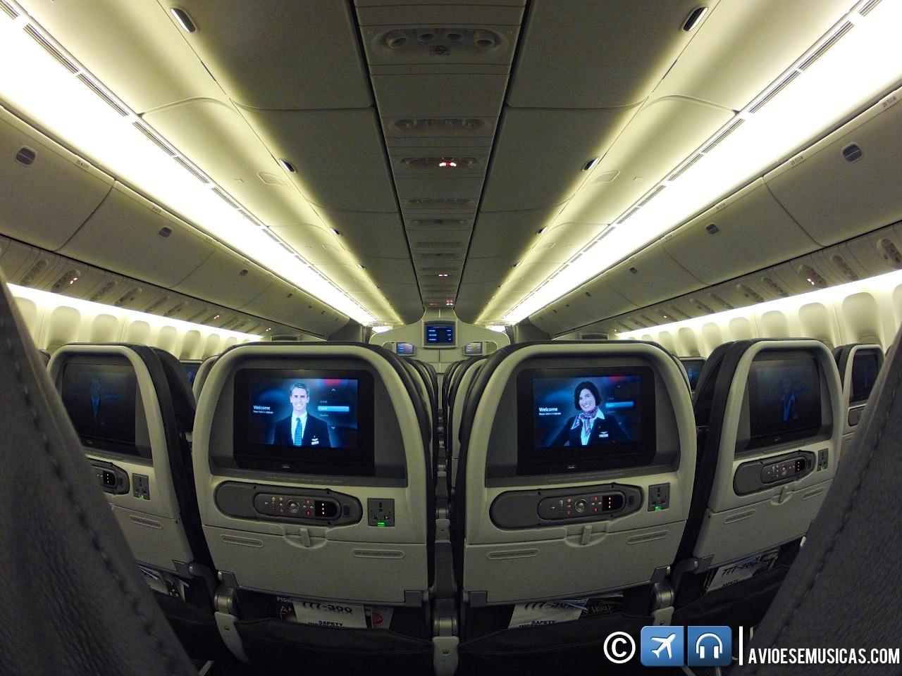 novo Boeing 777 300ER da American Airlines de pertinho : Aviões e  #113B72 1280x960 Banheiro Avião Tam