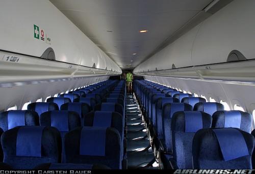 Cabine de Passageiros B 717 - Foto de Carsten Bauer - Airliners.Net