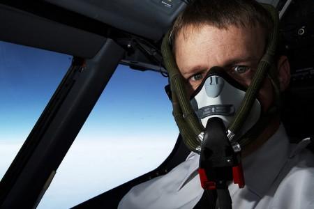 Especialistas advertem: é melhor soltar pum nos aviões #ciência