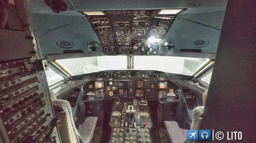 Cockpit Fokker 100
