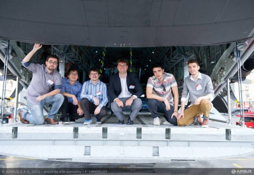 Os alunos da USP, vencedores do Airbus Fly Your Ideas 2013