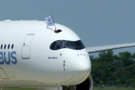 Parabéns Airbus, completou com sucesso o primeiro voo do A350 #FFA350