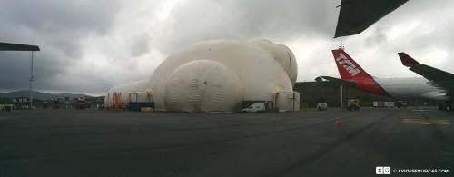 Um Iglu gigantesco apareceu no pátio 9 de GRU