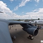 O trem de pouso do C5 Galaxy em voo #video