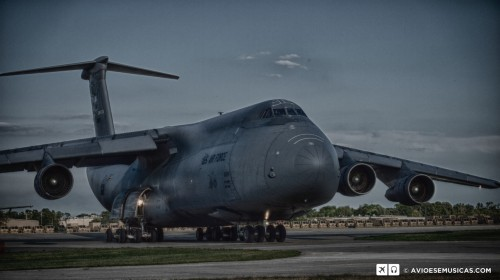 Foto editada da chegada em Oshkosh