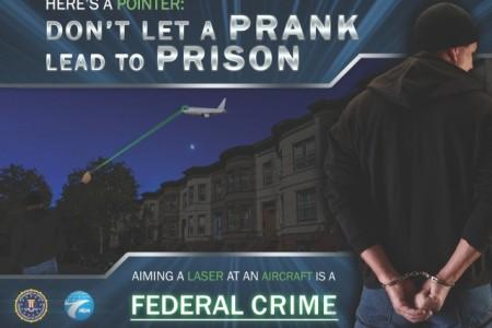 FBI oferece 10 mil dólares de recompensa a quem denunciar alguém que aponte laser a um avião
