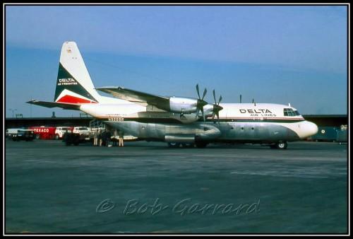 #8 Delta Air Lines Air Freighter Lockheed L100 Hércules por Bob Garrard
