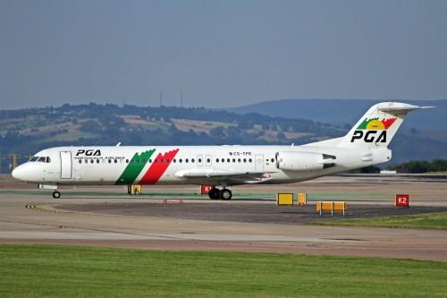 #11 PGA Portugalia Airlines Fokker 100 por Ken Fielding