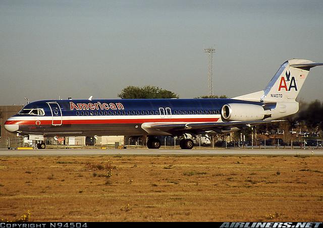 Fokker 100 - American Airlines. Foto: N94504