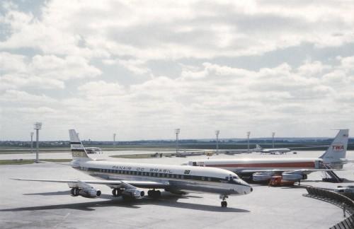 DC-8 Panair - Foto de Mel Lawrence
