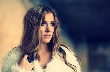 Clara Mae – Uma nova voz sueca, entrevista exclusiva #SextaMusical