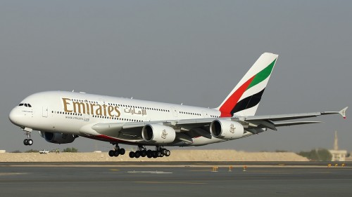 Emirates-Airlines-Airbus-A380-landing