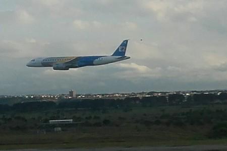 Primeiro voo do E2 | Parabéns Embraer