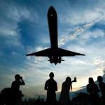 """Hackers """"poderiam"""" tomar o controle de um avião pelo sistema de entretenimento?"""