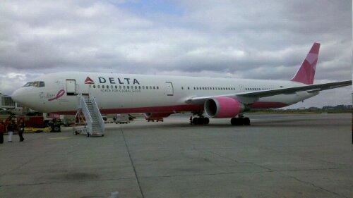 Outubro Rosa, porque as mulheres são parte da aviação :) #outubrorosa