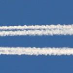O que é aquele rastro que os aviões deixam no céu? #pergunta