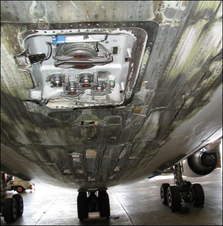 Detalhe da abrasão na fuselagem