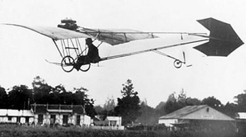 Demoiselle, primeiro avião  a ser construído em série no mundo