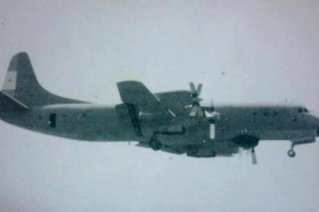 A queda de um Lockheed L-188 Electra capturada em vídeo na Argentina