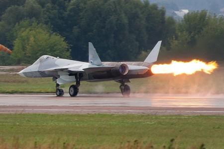 Não senhores, raios não destroem motores de avião