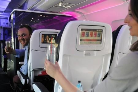"""""""Correio elegante"""" durante o voo: No seu assento ou no meu?"""