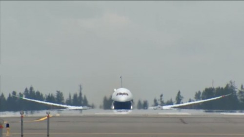 Boeing 787-9 decolando