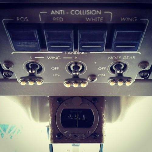 Switches das Landing Lights de um Boeing 767-400