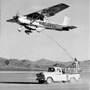 Quantas horas você acha que um Cessna 172 seria capaz de voar sem pousar?